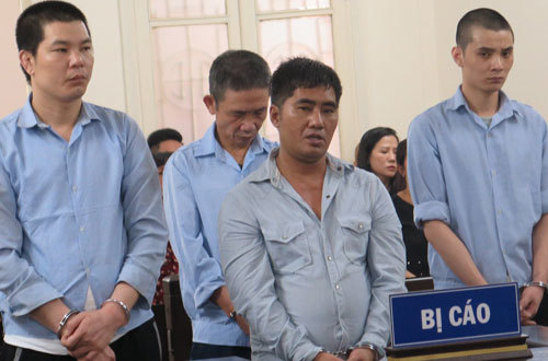 Vietnam sentences three drug dealers to death