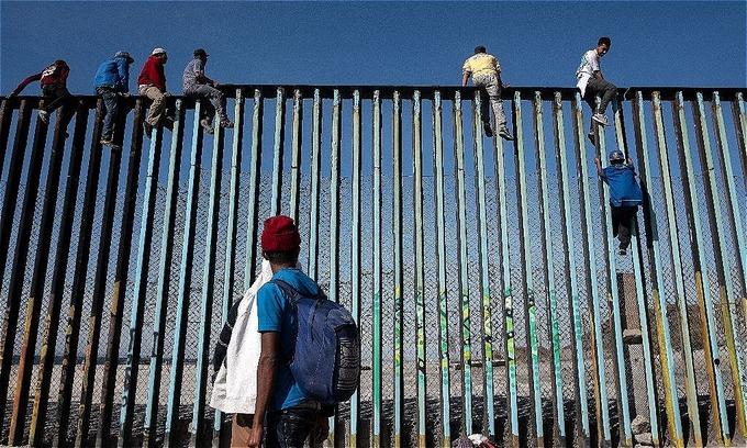 Central American caravan gains speed, more migrants reach border