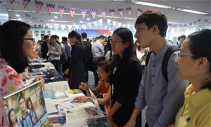 Vietnamese students spend $881 million on US education in 2017