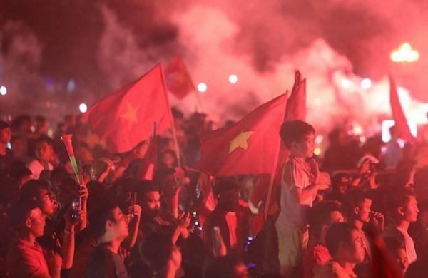Hanoi erupts after Vietnams victory against Malaysia