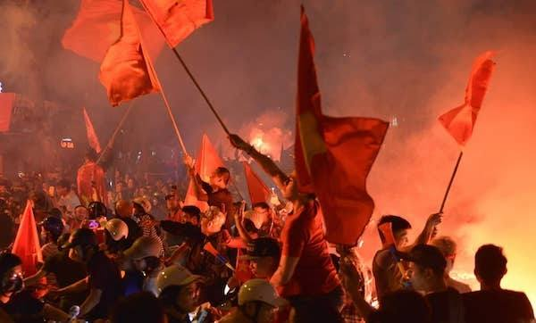 Hanoi erupts after Vietnams victory against Malaysia - 6