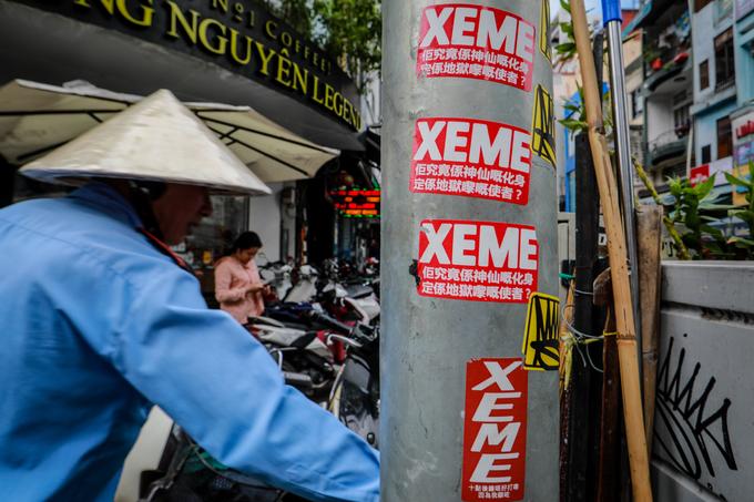 Saigon streets suffer graffiti damage - 5