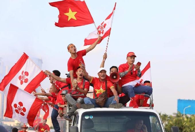 Hanoi heats up for Vietnam vs Malaysia football match