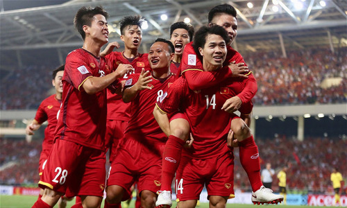 Vietnam scores 2-0 win over tough opponent Malaysia at second AFF match