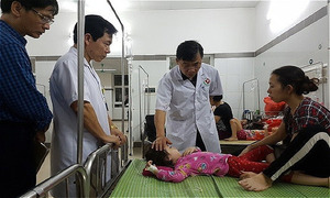 188 kids, three teachers hospitalized after lunch in Hanoi kindergarten