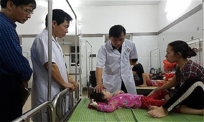 188 kids, three teachers hospitalized after lunch in Hanoi kindergarten