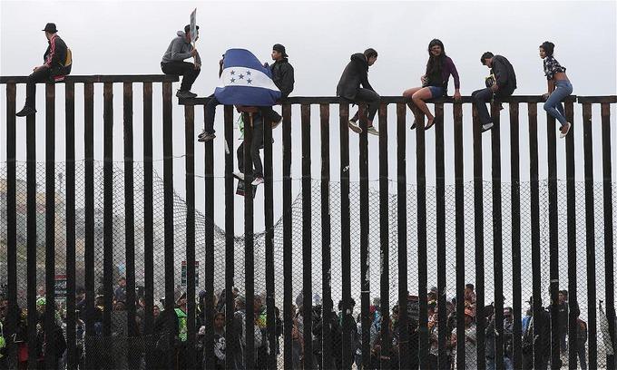 US judge blocks Trump asylum restrictions