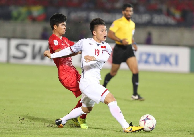 Aggrieved fans, coach slam refereeing mistakes in Vietnam-Myanmar match - 6