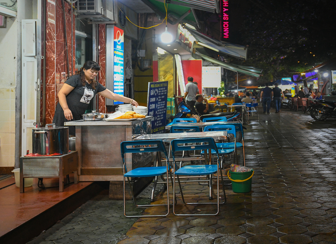 10 places to enjoy a full night in Hanoi - 7