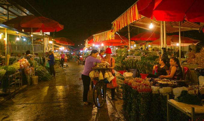 10 places to enjoy a full night in Hanoi - 8