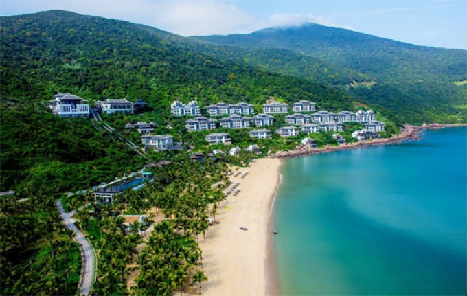 Travelers from countries with prolonged cold winters prefer long-term stays at beautiful beaches in Vietnam.