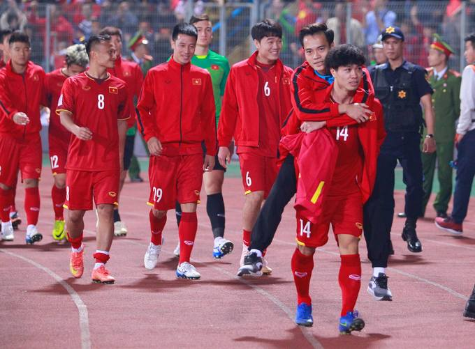 Vietnam give emotional shout out to injured teammate during Cambodia win - 4