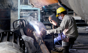 Young Vietnamese uninterested in manufacturing jobs: survey