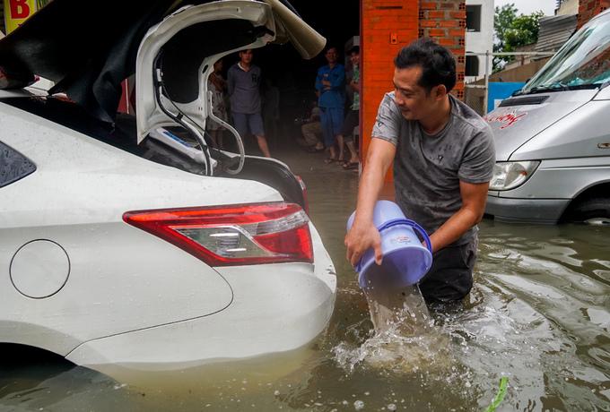 Sleepless in Saigon: storm Usagi keeps residents up all night - 12