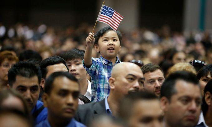 US abandons effort to deport Vietnamese immigrants