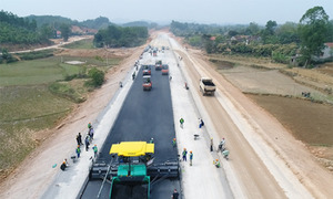 Vietnam to build expressway linking two provinces on China border