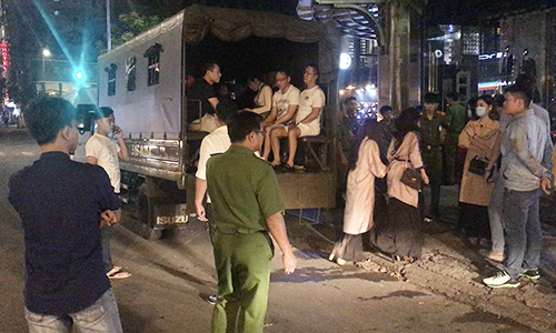 70 drug users, sex workers detained in Saigon downtown raids