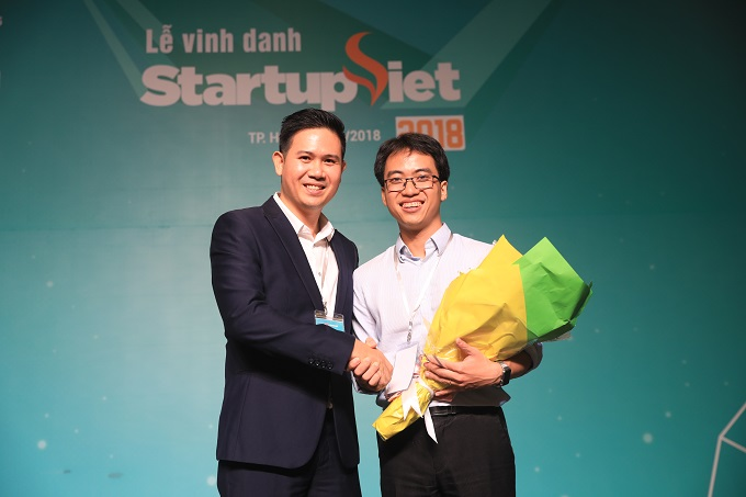 Asanzo Chairman Pham Van Tam surprisingly decided to invest VND5 billion ($215,000) in Datamart at the finale of the 2018 Startup Vietnam event.