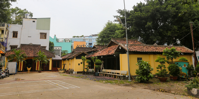 The oldest communal house is much older than Saigon