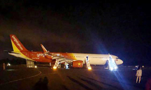 Vietjet plane loses wheels on landing in Central Highlands