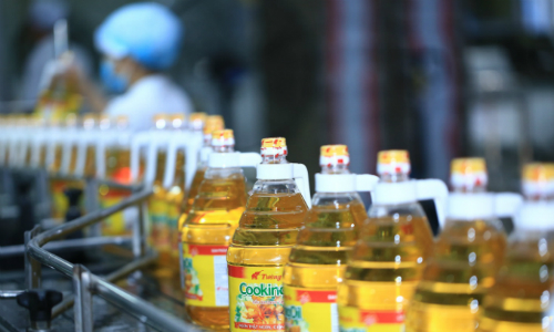 Vietnam's leading food company acquires 51 pct of Malaysia-backed cooking oil producer