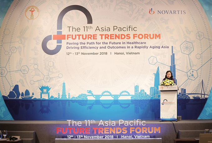 Nguyen Thi Xuyen, president of the Vietnam Medical Association and ASEAN Medical Association, speaks at the forum.
