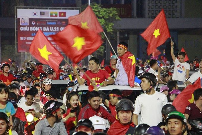 AFF Cup: Nation smothered in red as Vietnam enters final - 7