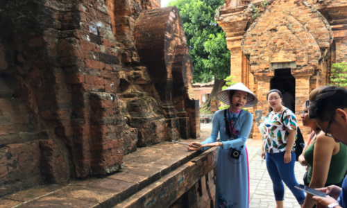 Labor paradox confounds Vietnamese tourism industry