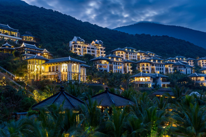 InterContinental Danang  was designed by the king of resorts Bill Bensley with 201 rooms and villas.
