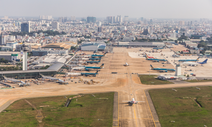 Arguments fly over Vietnam's need for more or less airports