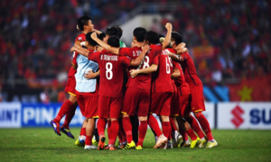 Vietnam buries past ghosts, storms into AFF Cup finals