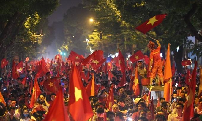 Saigon police seize 56 bikes, Hanoi detains 10 fans