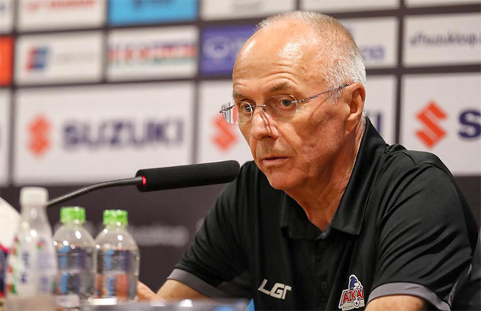 Head coach Sven-Goran Eriksson admits defeat and says good luck to Vietnam in the finak. Photo by VnExpress/Duc Dong