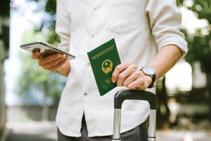 Vietnamese passport remains 'weak' despite improvement