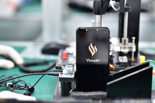 Vingroup's major move: enters list of top 10 firms in Vietnam