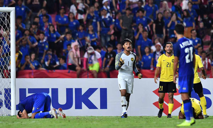 Goalkeeper Farizal Marlias in AFF Cup semi-finals second leg against Thailand. Photo by AFF.