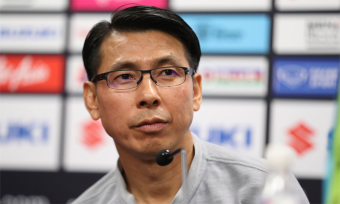 Head coach Tan Cheng Hoe in pre-match conference. Photo by VnExpress/Duc Dong