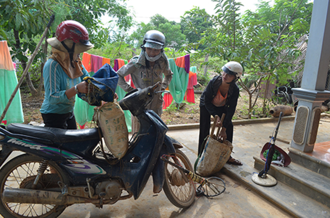 Many people in Quang Tri have o rely on war scrap