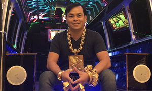In self-fulfilling prophecy, Saigon man wears 13 kilos of gold for luck