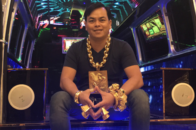 Phuc wears jewelry worth around $560,000. Photo by VnExpress/Hoang Anh