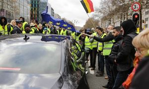 French 'yellow vests' spark copycats and fakes abroad