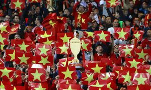 Pulses race as Vietnam-Malaysia AFF Cup final gets going