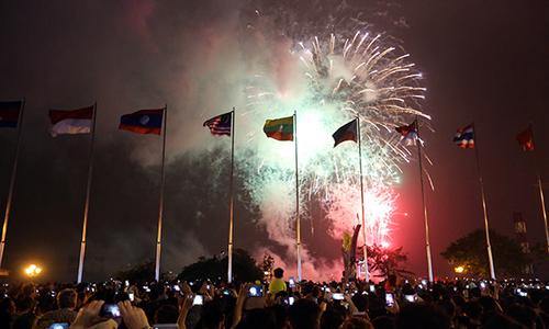 Saigon prepares New Year firework displays