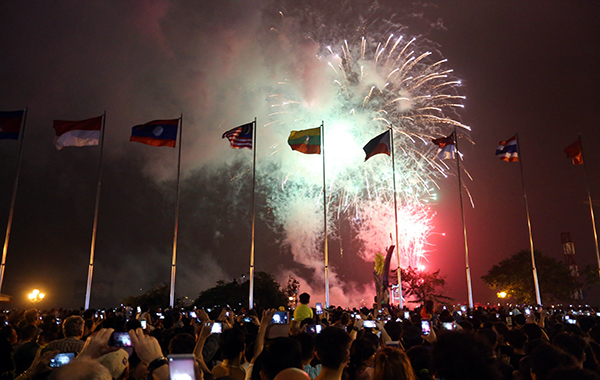 Saigon prepares New Year firework displays