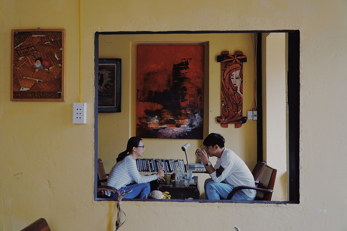 New antique café adds charm to downtown Saigon - 5