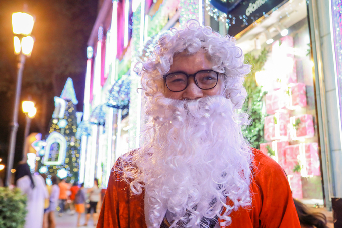 Saigon gets bedecked for the Xmas-New Year season - 3
