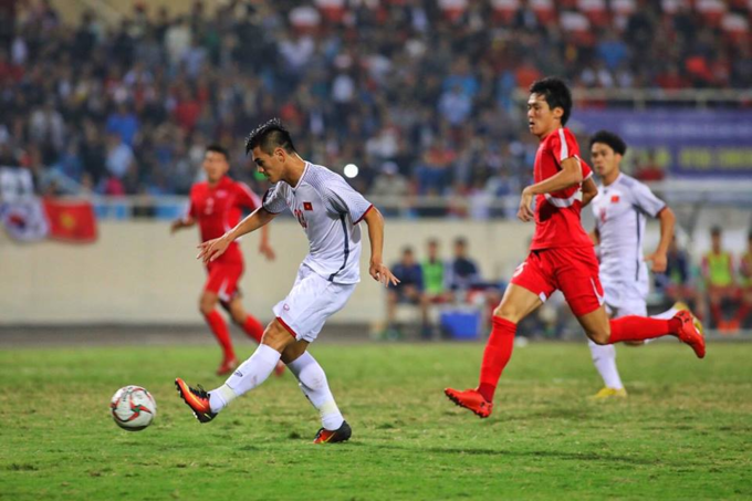 Nguyen Tien Linh scored the opener for Vietnam. Photo by VnExpress/Duc Dong.