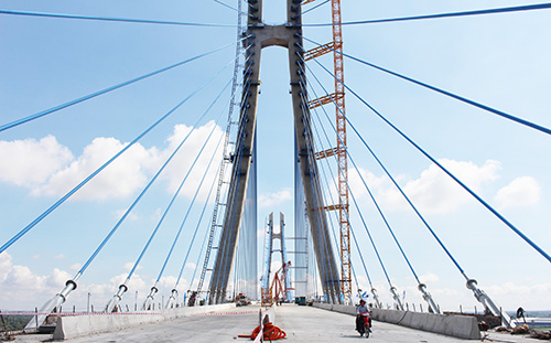 The Vam Cong Bridge is expected to boost the socio-economic development of the Mekong Delta Region.
