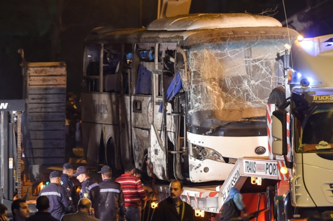 Scenes of bus blast that killed three Vietnamese tourists in Egypt