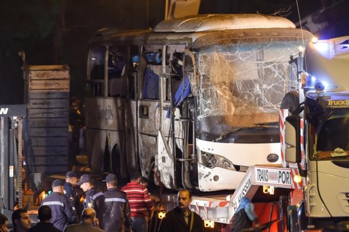 Scenes of bus blast that killed three Vietnamese tourists in Egypt